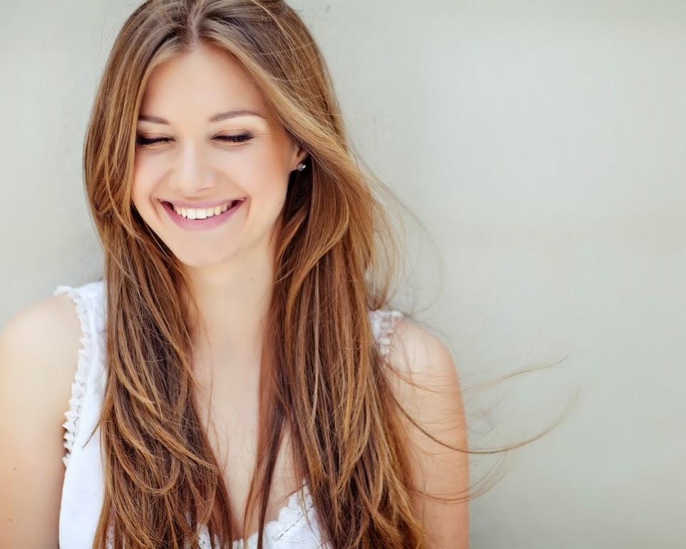 笑えば美肌も幸せも一生手に入る!?今日から実践簡単小顔エクササイズ | byBirth PRESS