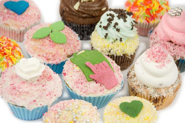 cupcakes-525511_640