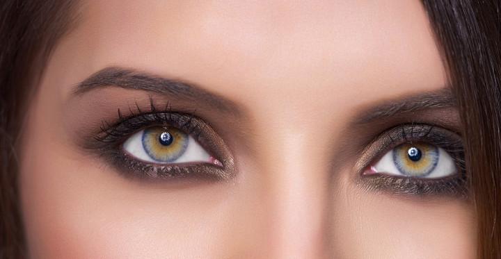 woman green eyes, macro