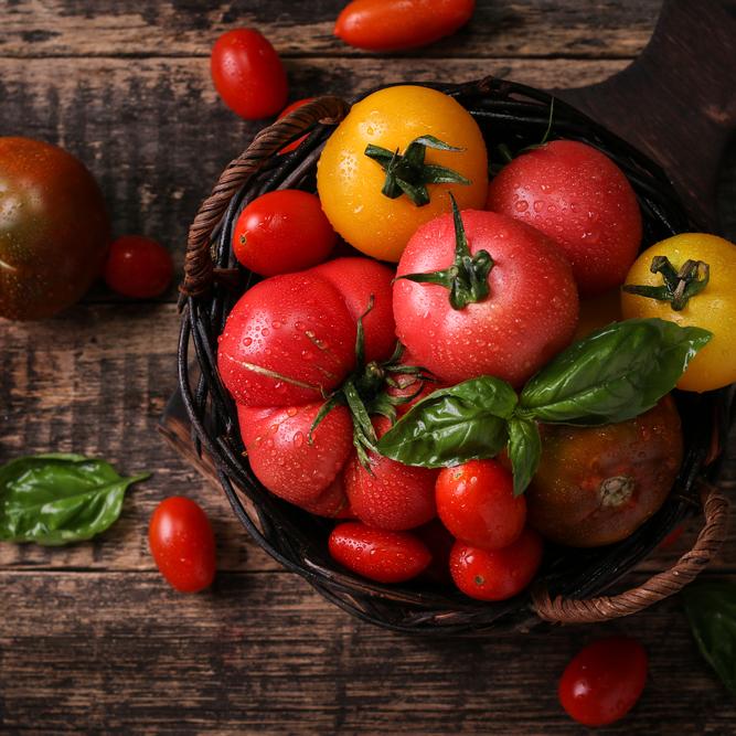 """夏の""""美肌フード""""!「トマト」は""""切り方""""で美肌効果もおいしさも数倍アップ!!"""