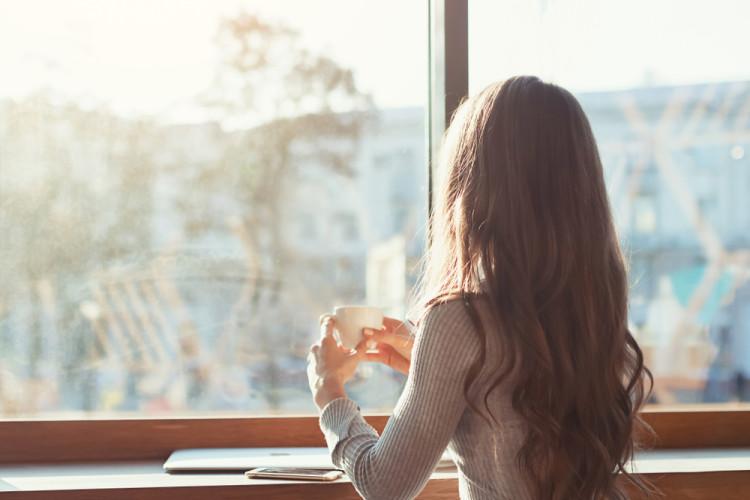 カフェで時間を気にせずのんびり