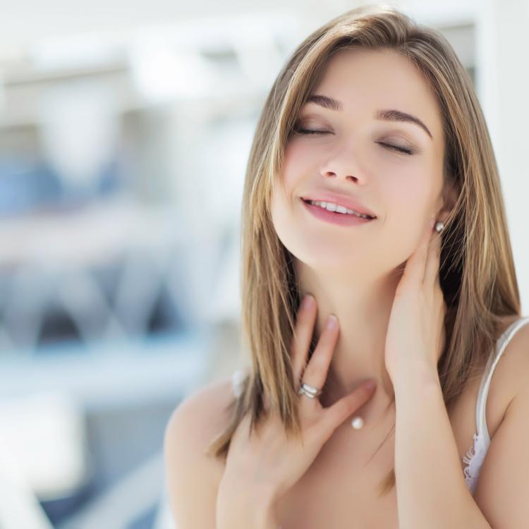 夏の「カサつき」と「ベタつき」は皮脂が原因!?肌トラブルを改善する3つの方法!!