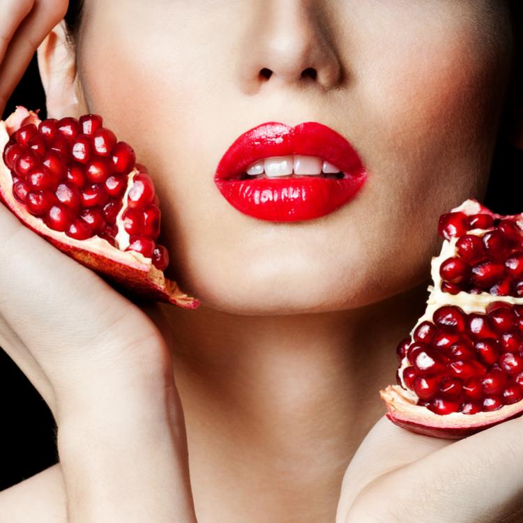 多くの女性たちが夢中になっているザクロ!ザクロに秘められている美容効果とは?