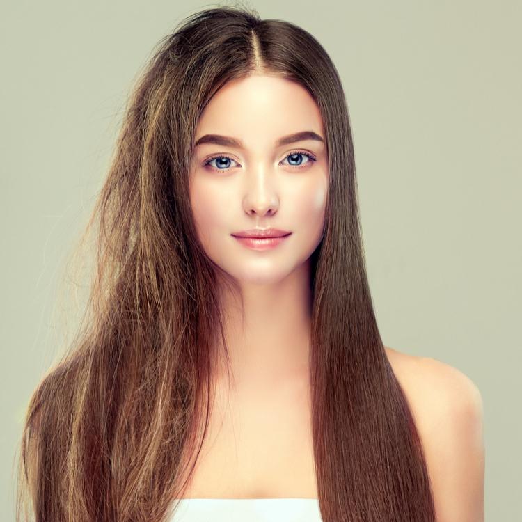髪の状態に合ったケアを!ヘアオイルとヘアクリームの違いって?