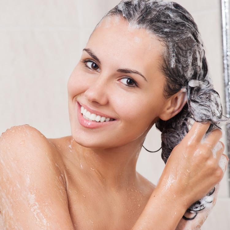 頭皮トラブルが続くならシンプル成分のシャンプーをチョイス!おすすめアイテム3選