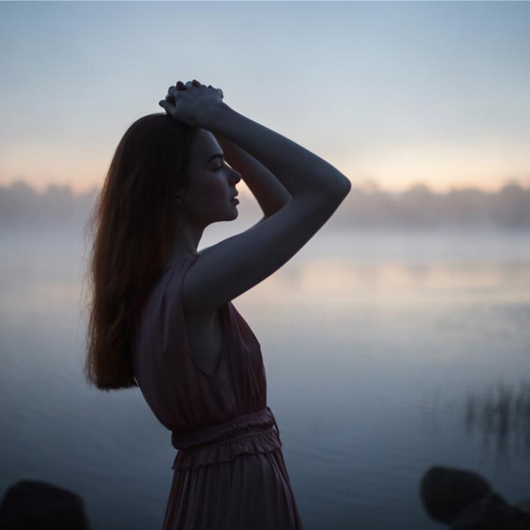 """最近泣いてない?リラックス効果が得られる""""涙活""""でストレスを改善させましょう"""