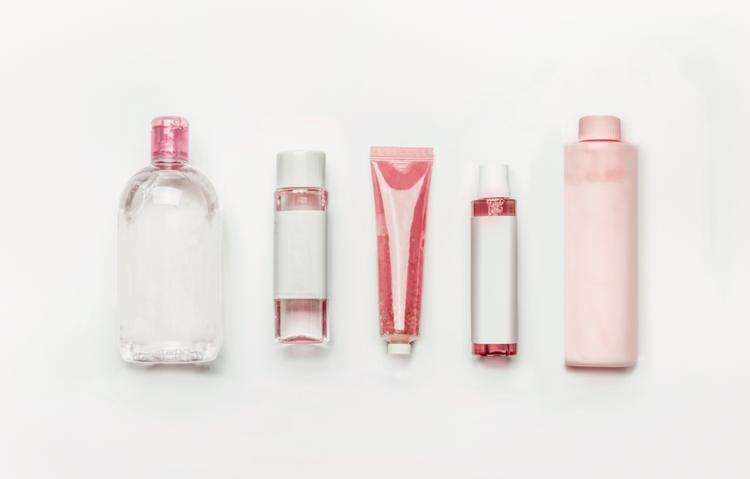 化粧水・乳液などのスキンケアを見直し