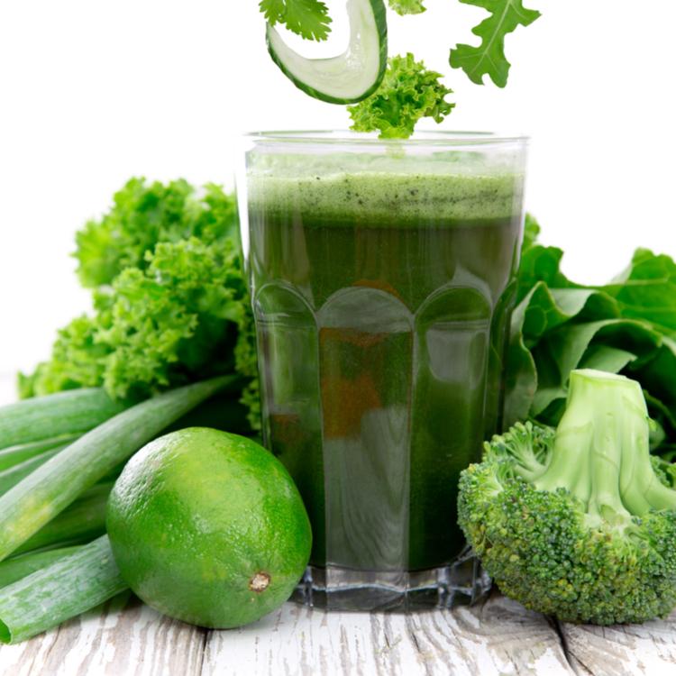 美容と健康の味方!飲む前に知っておきたい青汁の効果と上手な飲み方とは?
