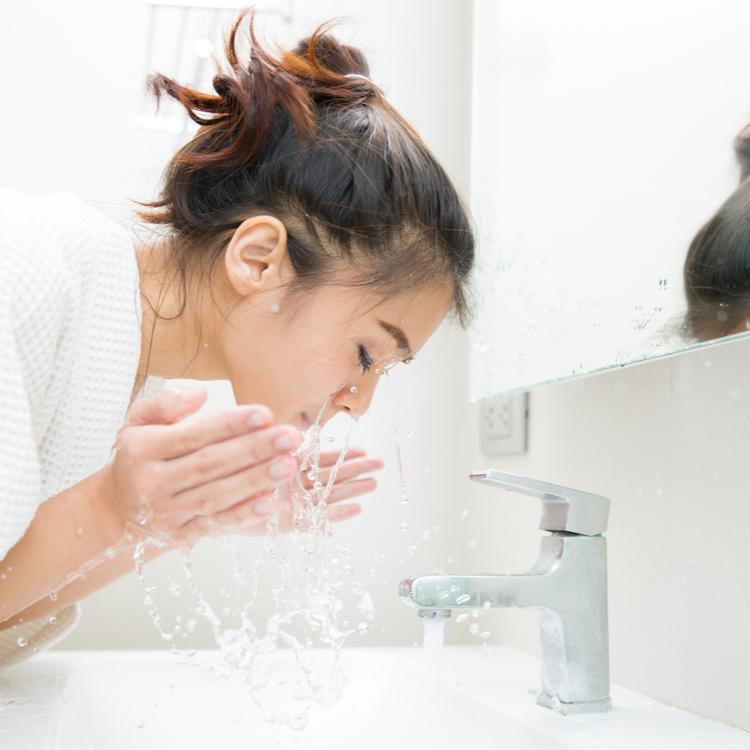 """〈毛穴問題続報!〉「正しい洗顔」で一年後には毛穴が変わる?!今日から実践!即効性より""""未来の美肌""""を意識せよ【30代のリアル美容#17】"""