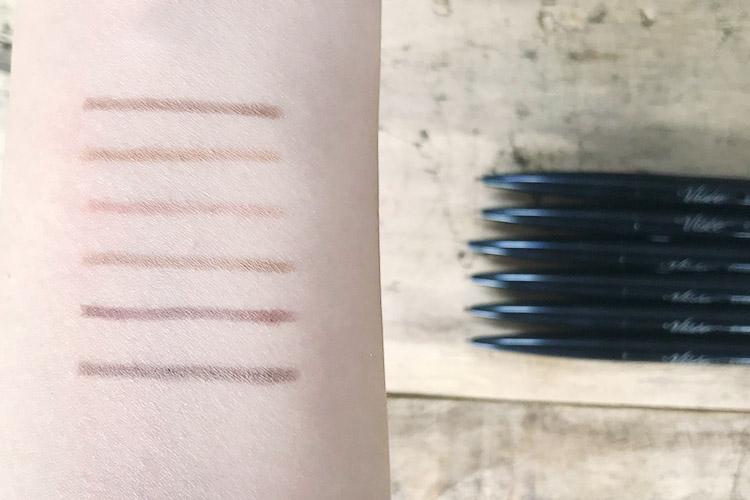 カラー展開