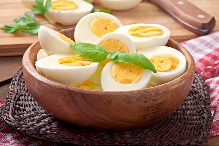 卵が「摂りすぎ注意」といわれていた理由は?
