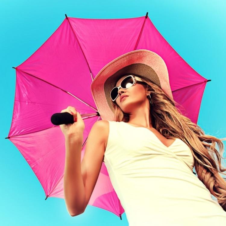 雨の日でもやける!「梅雨」に見落としがちな【紫外線対策】の落とし穴とは