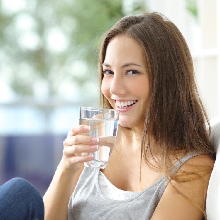 比較!水とお茶はダイエットになる?