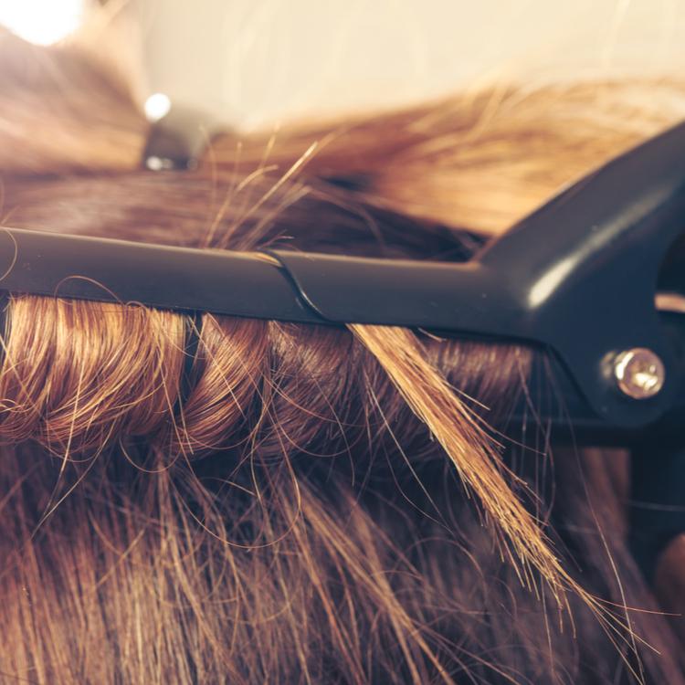 巻き髪が上手く出来ない方必見!髪の長さに合ったコテのサイズを解説
