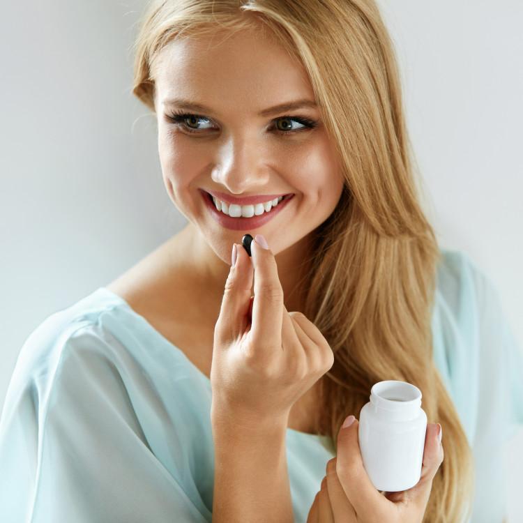 サプリメントや美容ドリンクを活用してカラダの中のキレイを引き出そう!エイジングケアにおすすめのアイテム5選