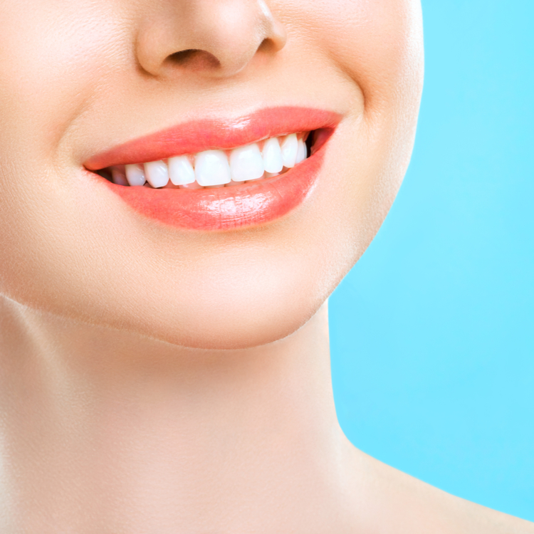 いつも白い歯でいたい!歯にステインがつかなくなる方法3つ