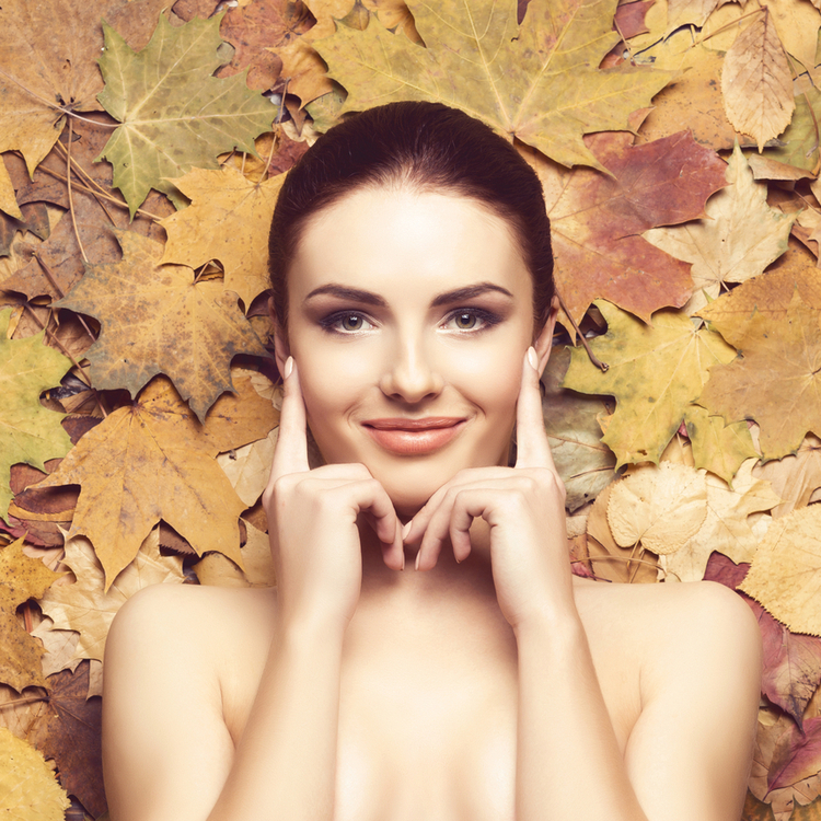 【秋のスキンケア】季節の変わり目には要注意!今やっておくべき美容とは?