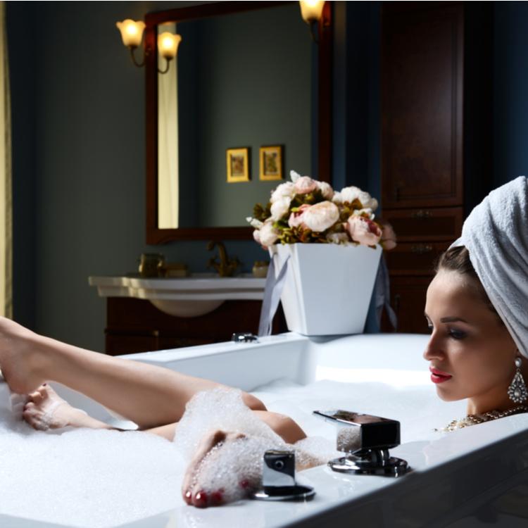 お風呂上がりは乾燥しやすい!インバスボディケアのメリットと保湿方法
